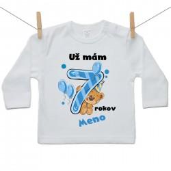 Tričko s dlhým rukávom Už mám 7 rokov s Medvedíkom a menom dieťatka Chlapec