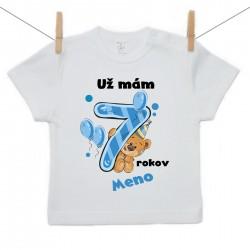 Tričko s krátkym rukávom Už mám 7 rokov s Medvedíkom a menom dieťatka Chlapec