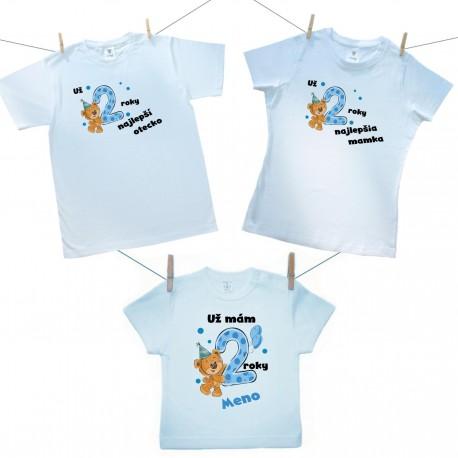 Rodinná sada (tričko s krátkym rukávom) Už 2 roky najlepší rodičia chlapčeka s menom dieťaťa