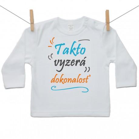 Tričko s dlhým rukávom Tatko vyzerá dokonalosť