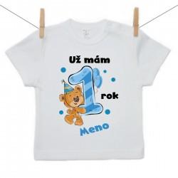 Tričko s krátkym rukávom Už mám 1 rok s Medvedíkom a menom dieťatka Chlapec
