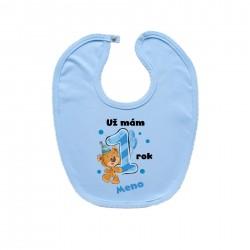 Modrý podbradník na zapínanie Už mám 1 rok s Medvedíkom a menom dieťatka Chlapec