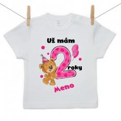Tričko s krátkym rukávom Už mám 2 roky s Medvedíkom a menom dieťatka Dievča