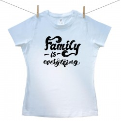 Dámske tričko s krátkym rukávom Family is everything
