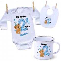 Sada Mám 2 roky s Medvedíkom a menom dieťatka Chlapec